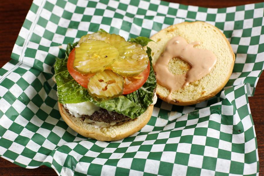 618006 Jake's Burger