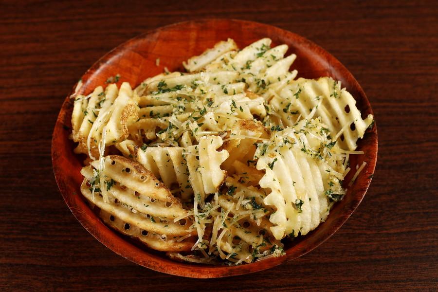 618073 Waffle Garlic Fries