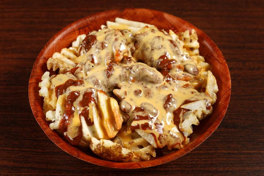 618076 Waffle Chili Cheese Fries